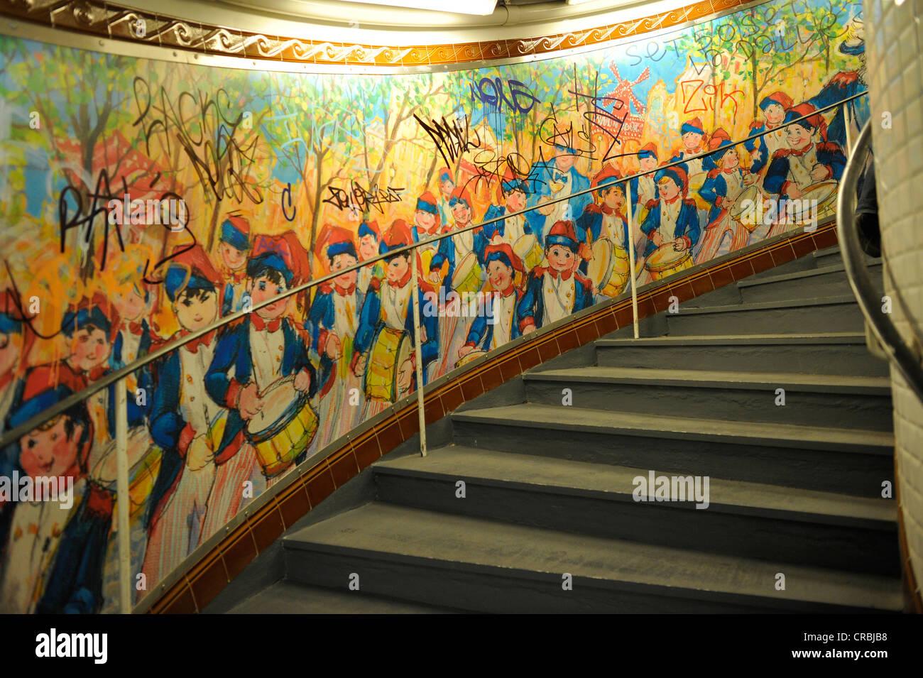 Pittura Murale Sulla Scala Arte Nella Metropolitana Di Parigi Francia Europa Foto Stock Alamy