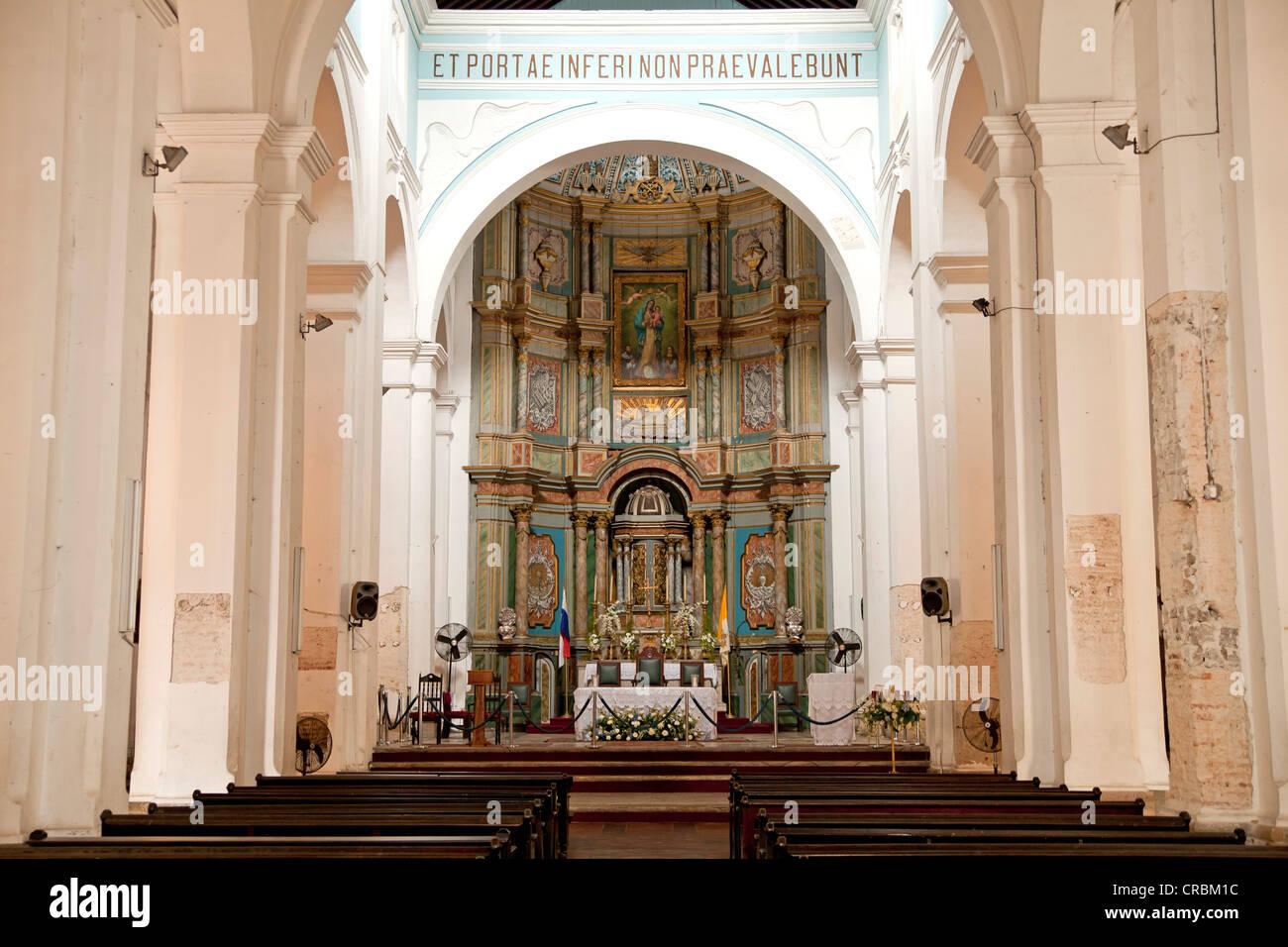 Altare della cattedrale della città vecchia, Casco Viejo, Panama City, Panama America Centrale Immagini Stock