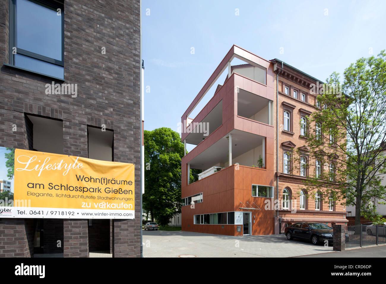 Edificio residenziale, la costruzione di uffici, architettura contemporanea, Giessen, Hesse, Germania, Europa PublicGround Immagini Stock