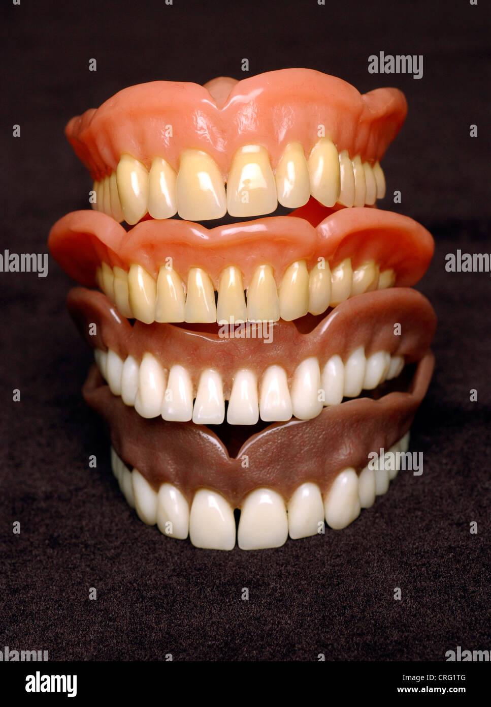 Arco di acrilico odontoiatria ceramico di dentiera Immagini Stock