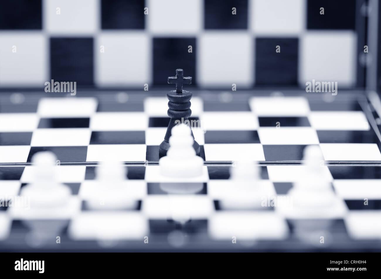 Close-up foto di scacchi su una scacchiera Immagini Stock
