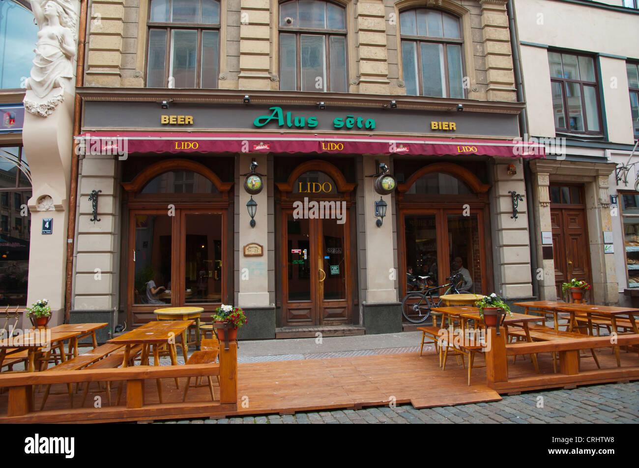 Lido Alu Seta self-service lettone tipico ristorante esteriore città vecchia Riga Lettonia Europa Immagini Stock