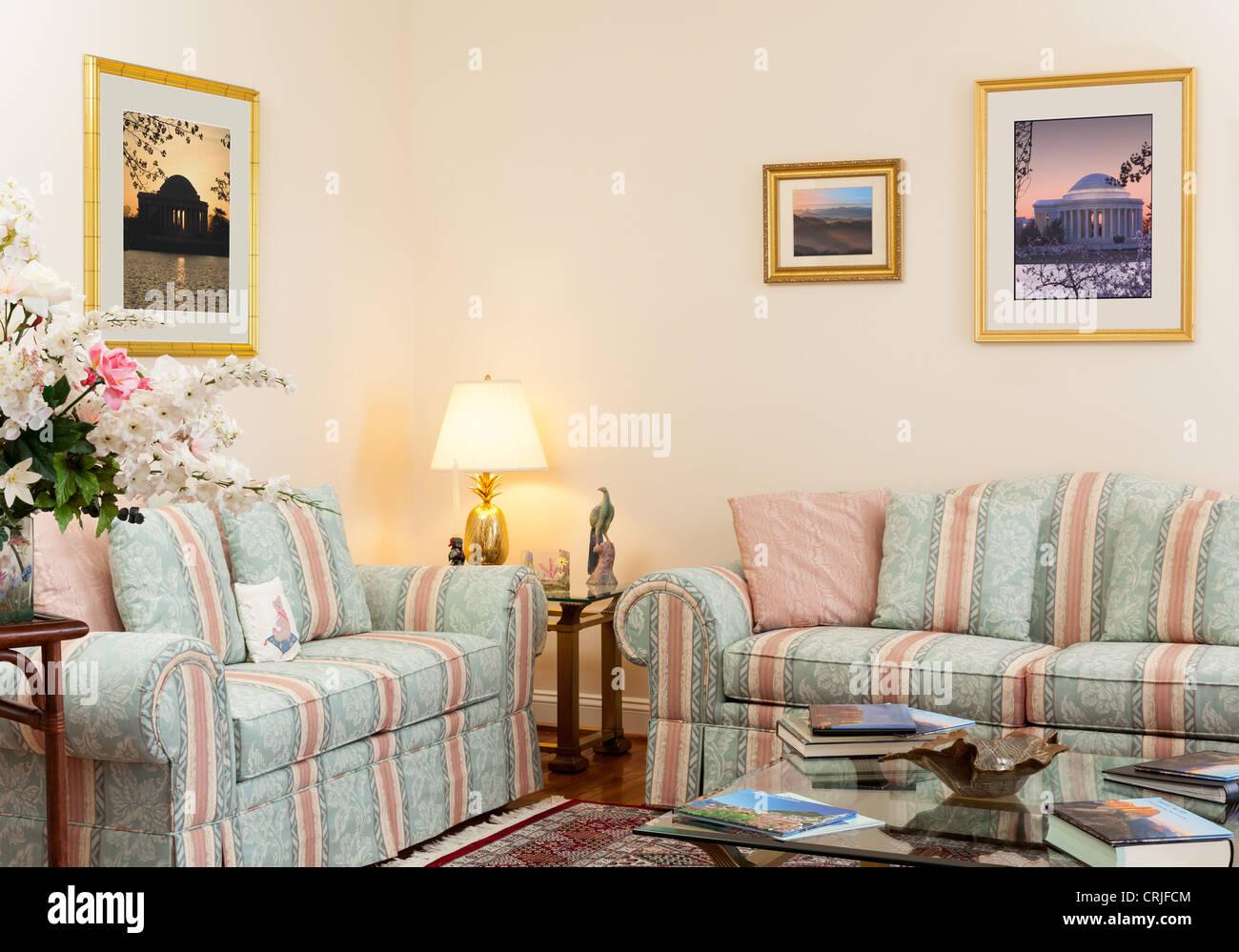 Soggiorno con divano Immagini Stock