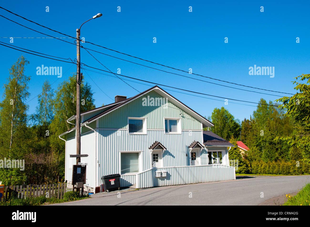 Rivestimento Casa In Legno : Ristrutturato tradizionale casa in legno con la nuova superficie