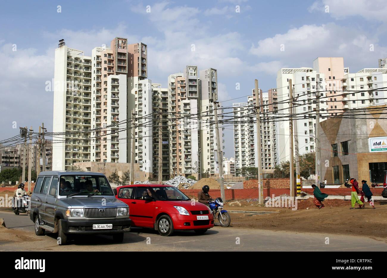 Nuovi edifici per la classe media a Nuova Delhi, India Immagini Stock