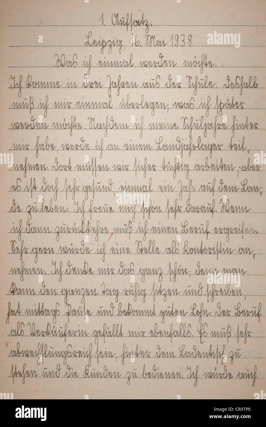 Pagina della scrittura del vecchio libro di esercizio Immagini Stock