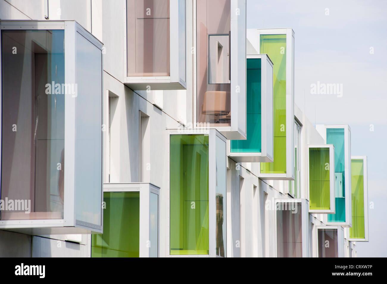 Esterno del modern art'otel con architettura inusuale nel quartiere Rheinauhafen Colonia Germania Immagini Stock