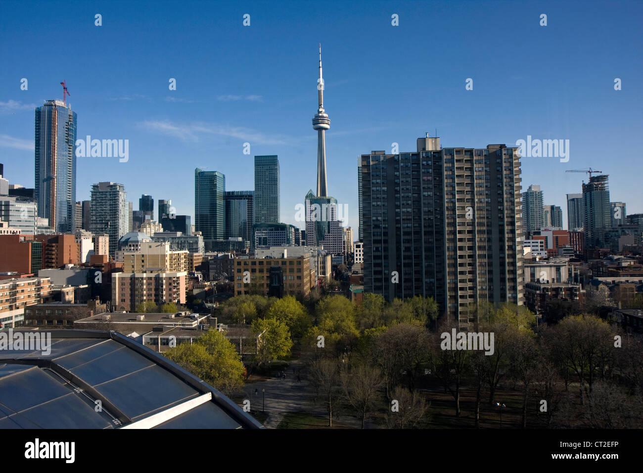 Lo skyline di Toronto e la vista in centro città Immagini Stock