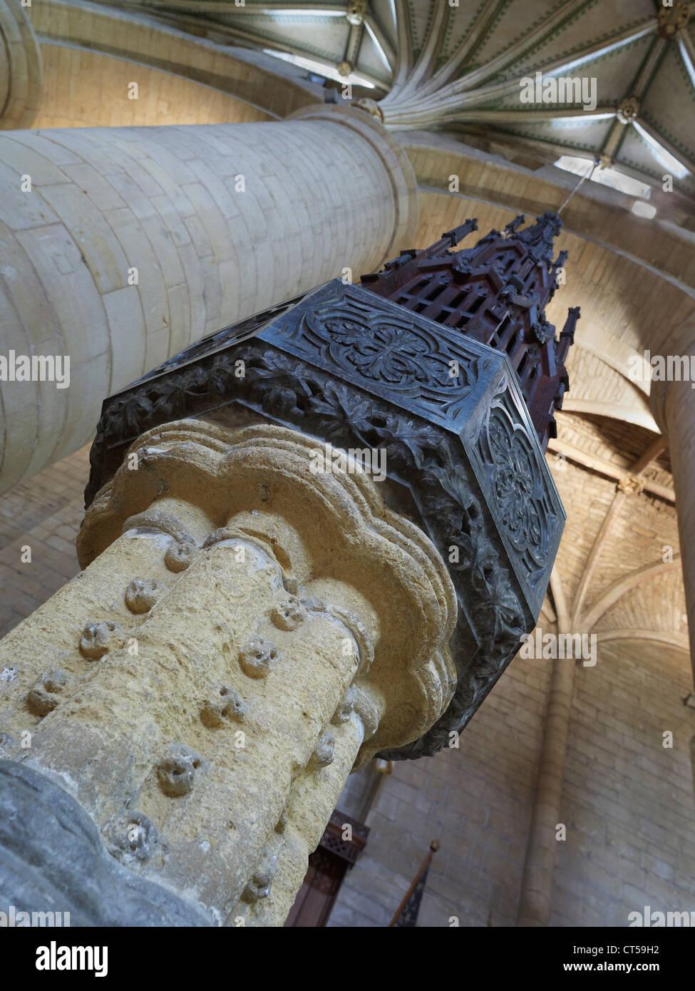Tewkesbury Abbey font nella navata centrale Immagini Stock