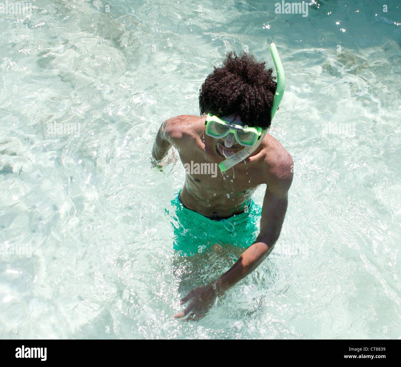 Chi ama lo snorkelling Immagini Stock
