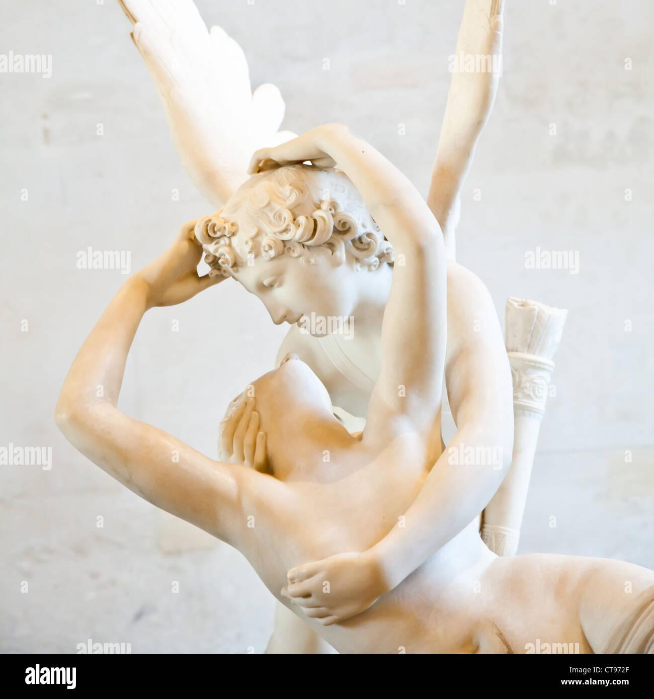 Eros abbracciare Psiche Immagini Stock