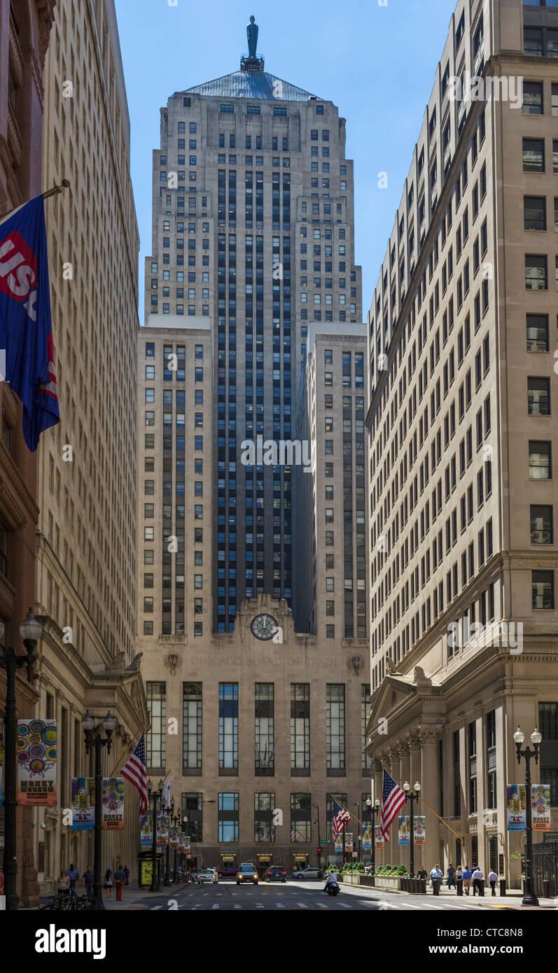 Chicago Board of Trade su Jackson Boulevard da La Salle Street con la Federal Reserve Bank di destra, distretto Immagini Stock