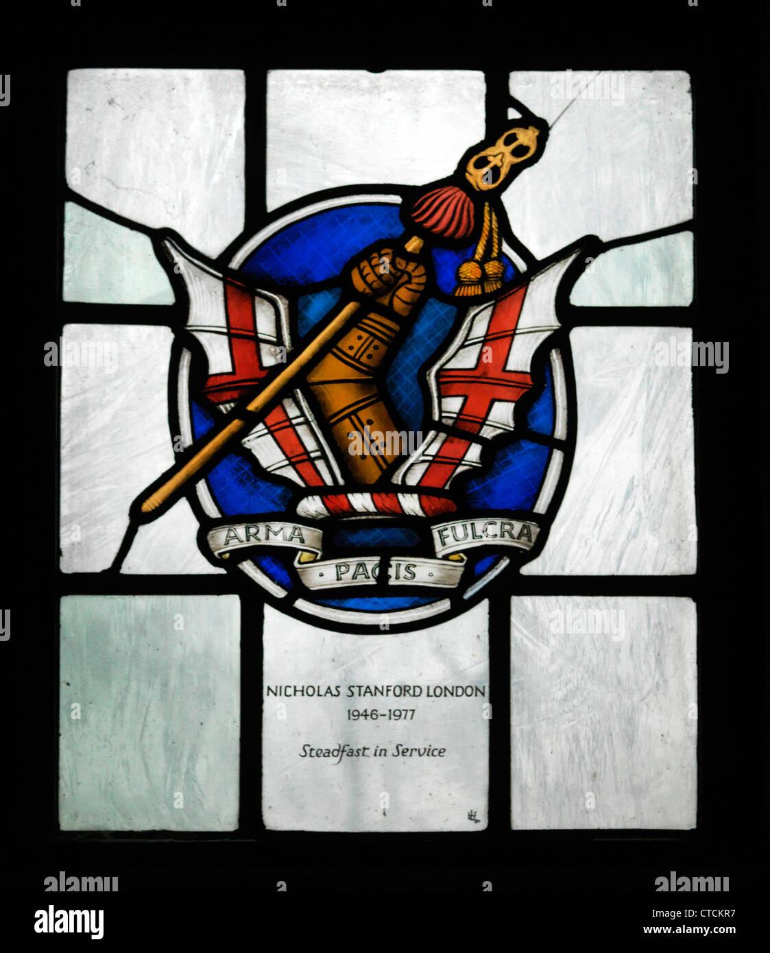Guildford Surrey in Inghilterra la Chiesa cattedrale dello Spirito Santo Vetrata Onorevole Compagnia di Artiglieria Immagini Stock