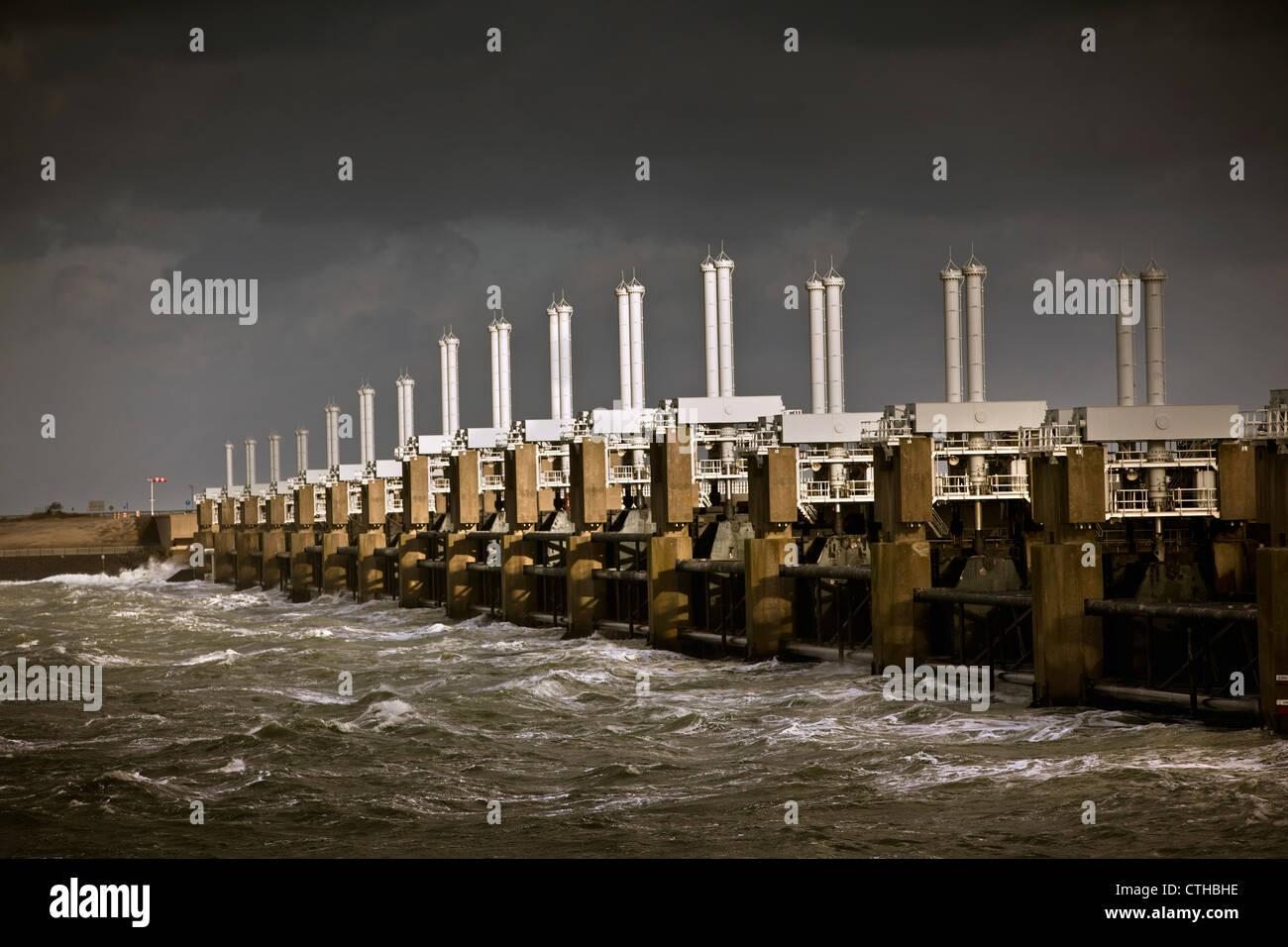 I Paesi Bassi, Kamperland, Oosterschelde Flood Barrier. Parte delle opere del Delta. Immagini Stock