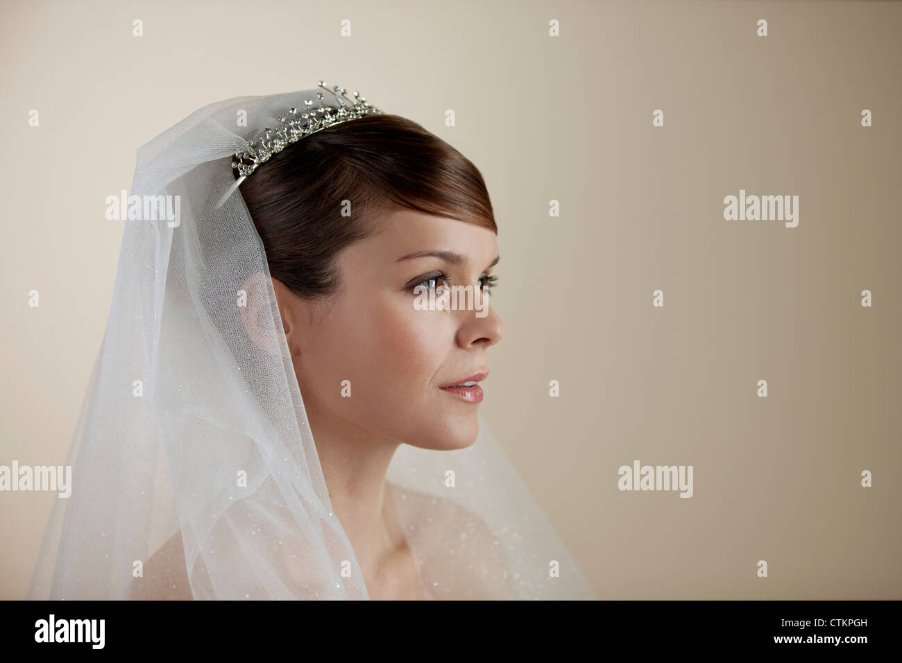 Radiant with joy immagini radiant with joy fotos stock for Sposa che corre