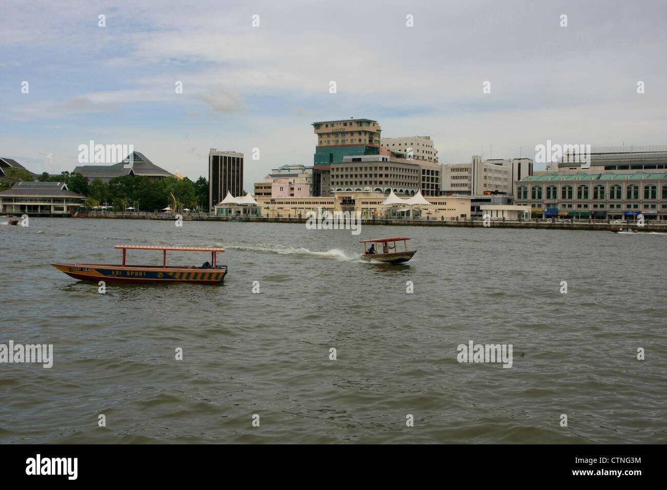 Lo skyline di capitale Bandar Seri Begawan, Brunei, sud-est asiatico Immagini Stock