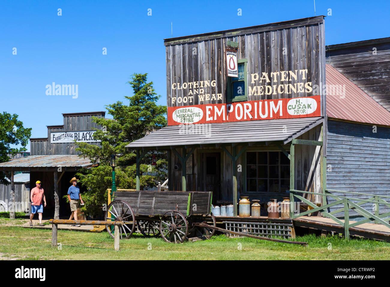 Strada principale di '1880 città western attrazione di Murdo, Dakota del Sud, STATI UNITI D'AMERICA Foto Stock