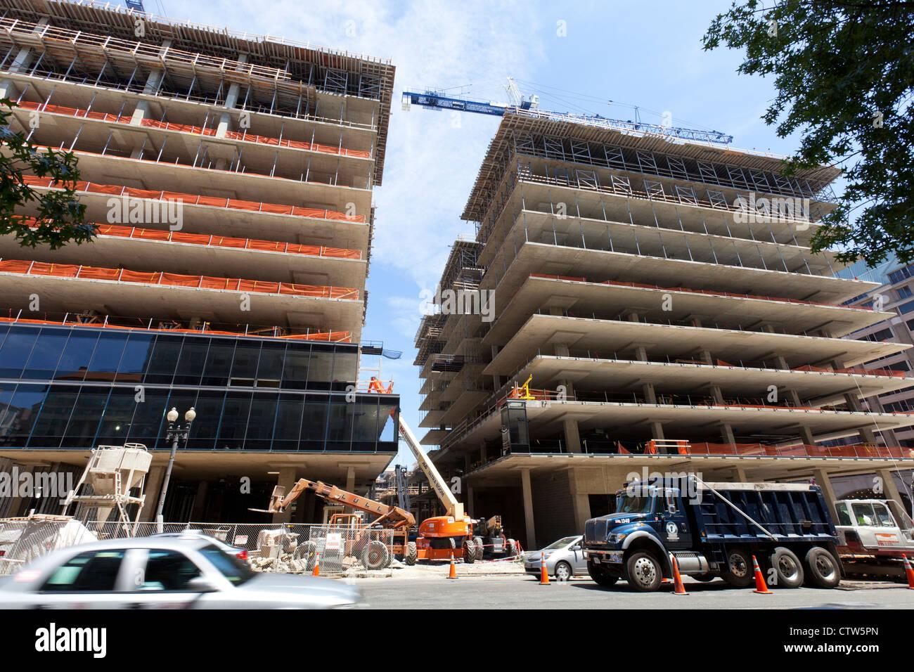 Alto edificio di nuova costruzione urbana sito - Washington DC, Stati Uniti d'America Immagini Stock