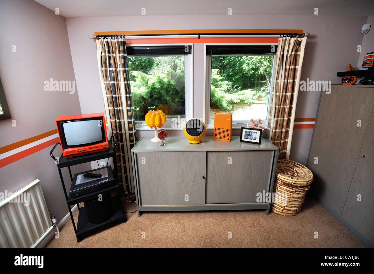 Camera Da Letto Stile Anni 70 : Una camera da letto in stile anni 70 casa che è stato presentato in