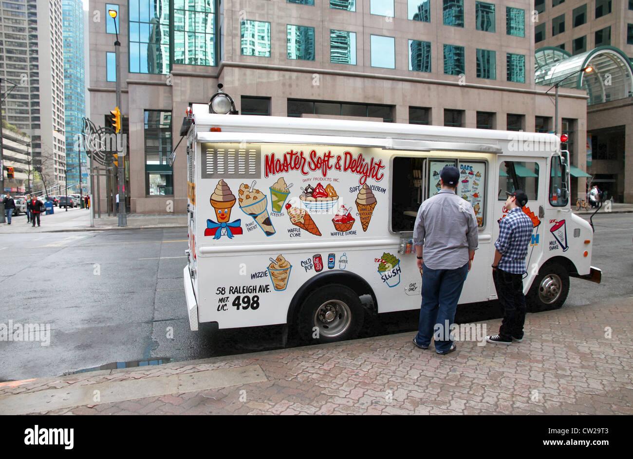 Il Camion Dei Gelati Foto Immagine Stock 49838771 Alamy