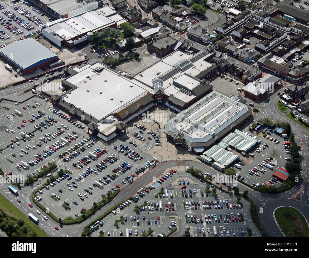 Vista aerea di un retail park in Widnes Immagini Stock