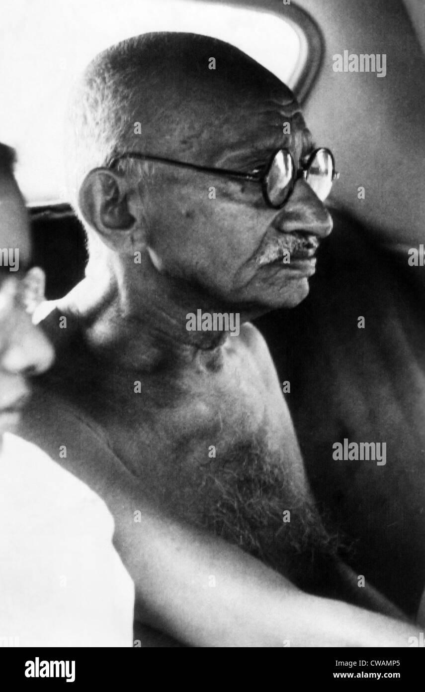 Il Mahatma Gandhi, ca 1947. La cortesia: Archivi CSU/Everett Collection Immagini Stock