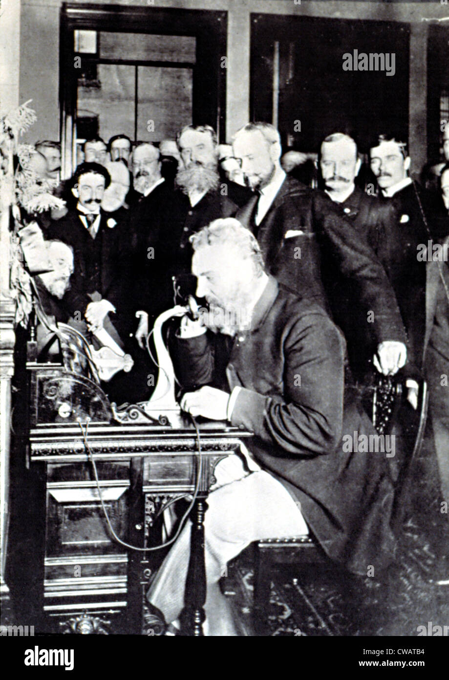 ALEXANDER Graham Bell, dimostrare come effettuare una chiamata telefonica in New York, 12 marzo 1876. Bell è parlando Foto Stock