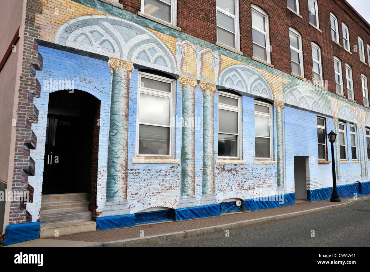 Un edificio a Pittsfield, Massachusetts ornato da artisti locali Immagini Stock