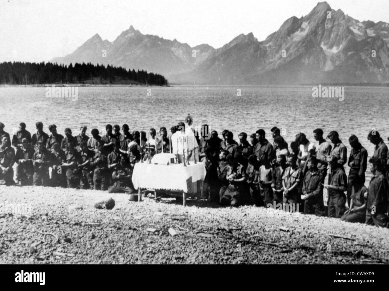 Grande Depressione, CCC (civili conservazione Core) frequentano servizio religioso, Wyoming. 13/09/1933.. La cortesia: Immagini Stock