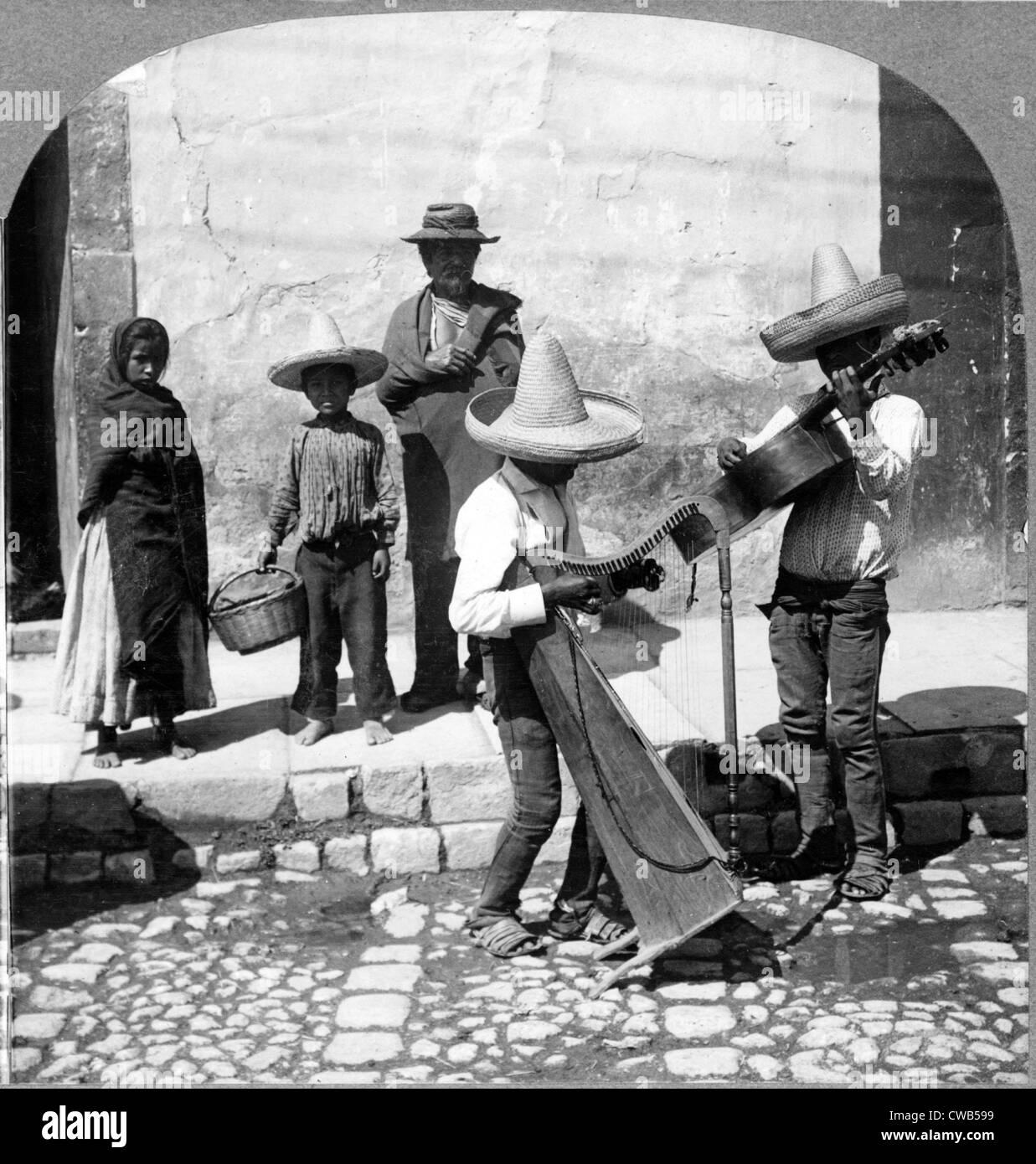 La musica folk. Musicisti di strada, Guanajuato, Messico, 1906 Immagini Stock