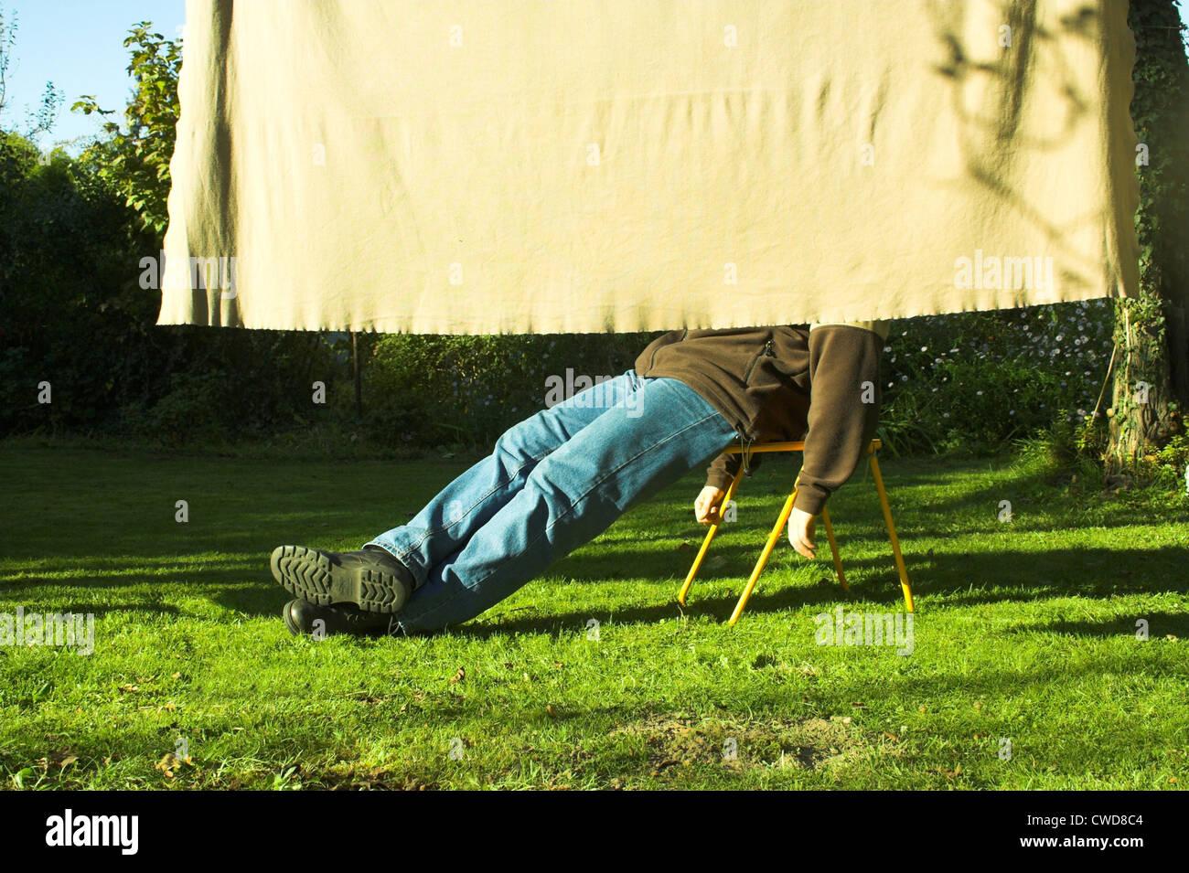 L'uomo,godimento,relax,appoggiata,relax,ricreazione Immagini Stock