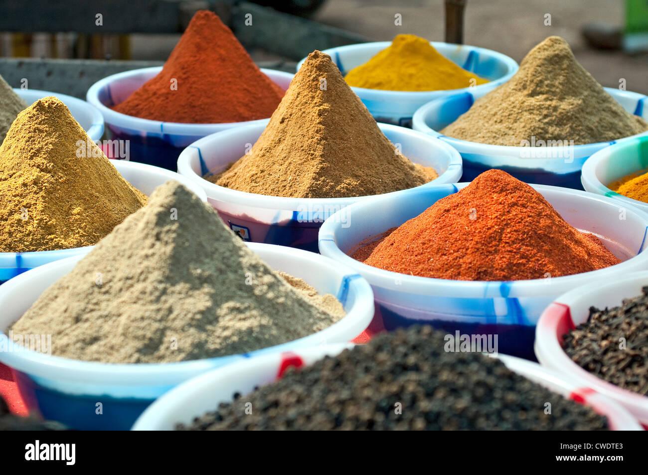 Le spezie in vendita, Calangute, Goa, India Immagini Stock