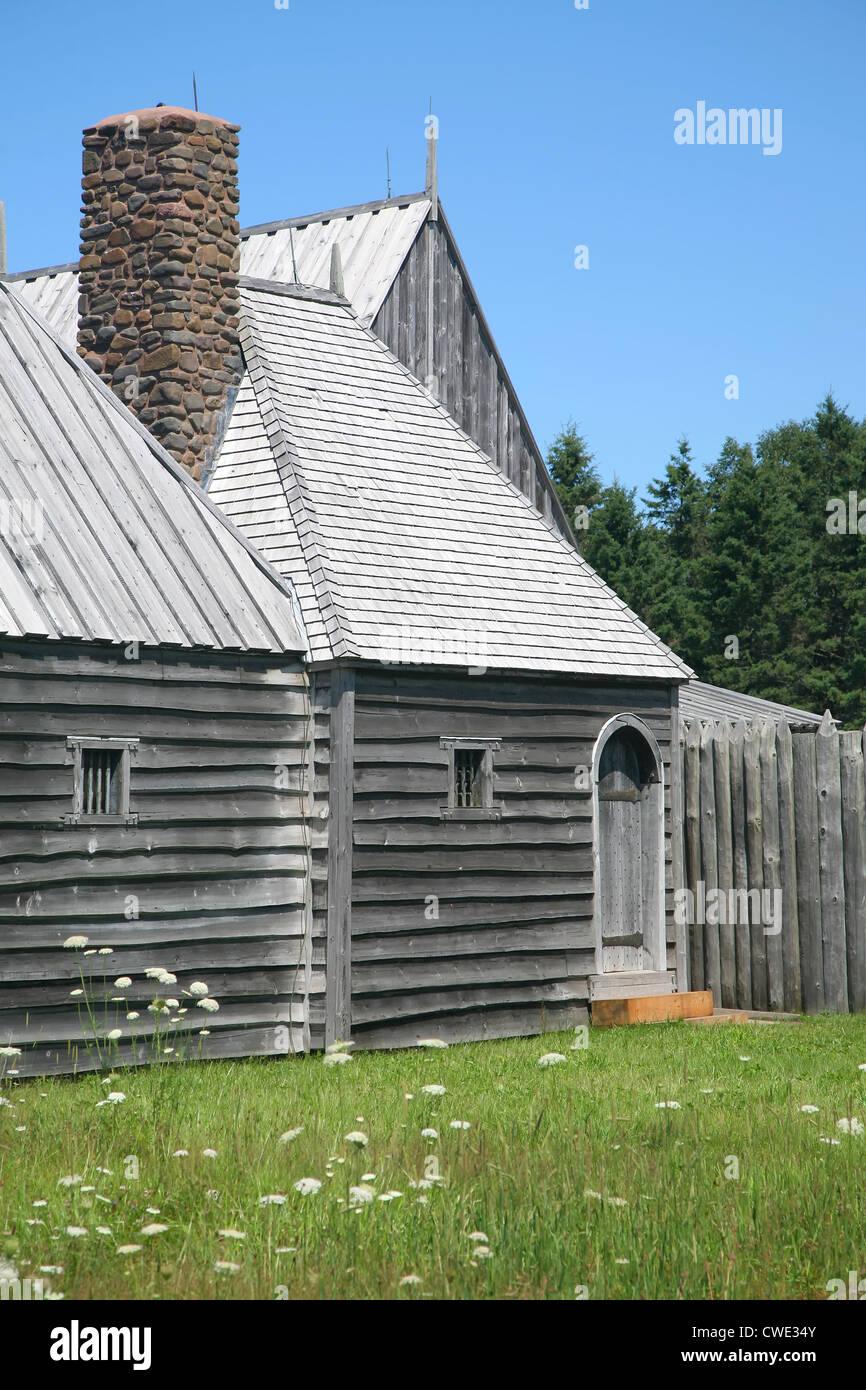 Una ricostruzione della porta originale Royal abitazione (1605) nella valle di Annapolis di Nova Scotia. Immagini Stock