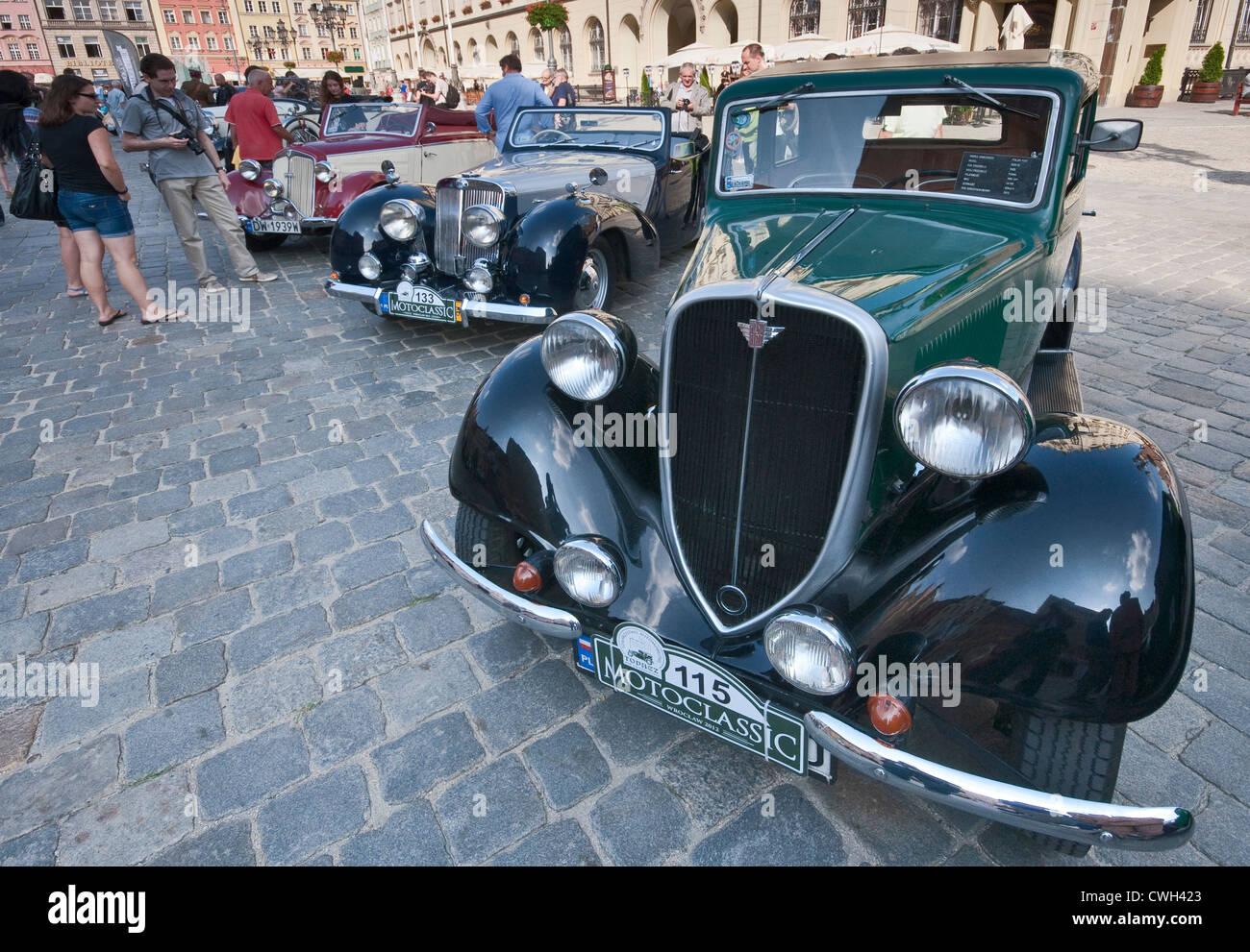 Polski Fiat Iii A Motoclassic Car Show Al Rynek Piazza Del - Mercato car show
