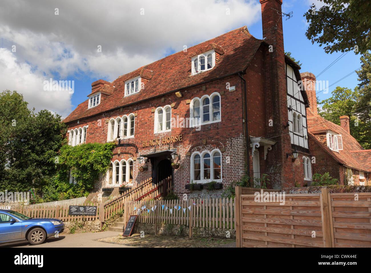 Xv secolo Black Horse pub fama di avere molti fantasmi in più ossessionato villaggio inglese di Pluckley, Kent, Immagini Stock