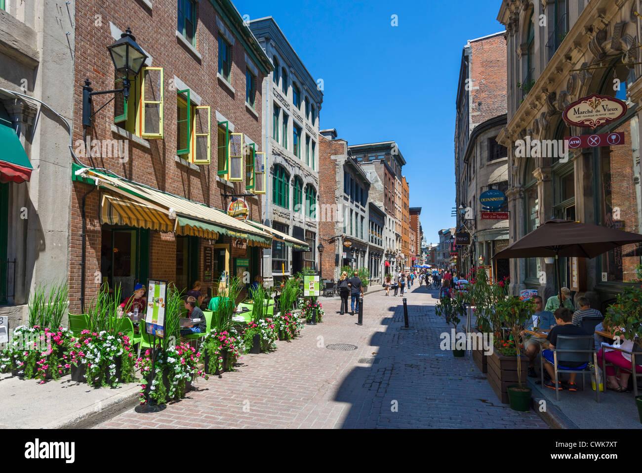 Bar, caffetterie e ristoranti lungo la Rue St Paul, Montreal, Quebec, Canada Immagini Stock