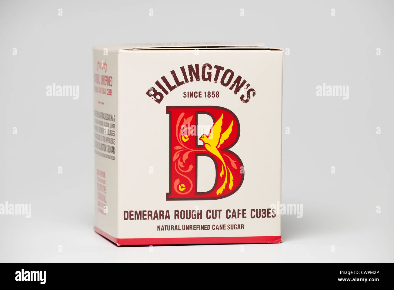 Scatola di naturale Billingtons grezzo di canna Demerara Rough cut cafe cubi Immagini Stock