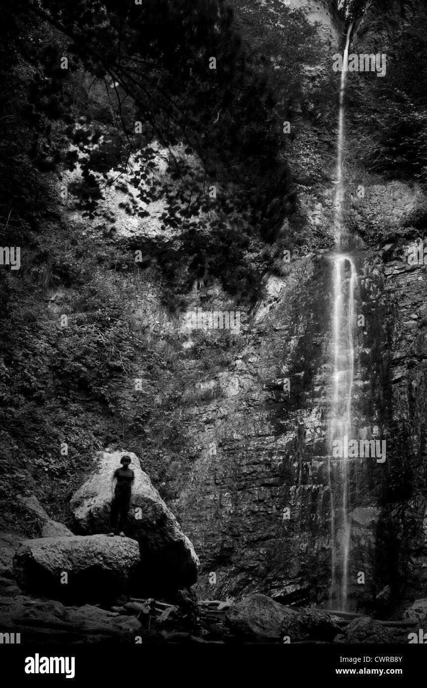 Cascata di montagna Immagini Stock
