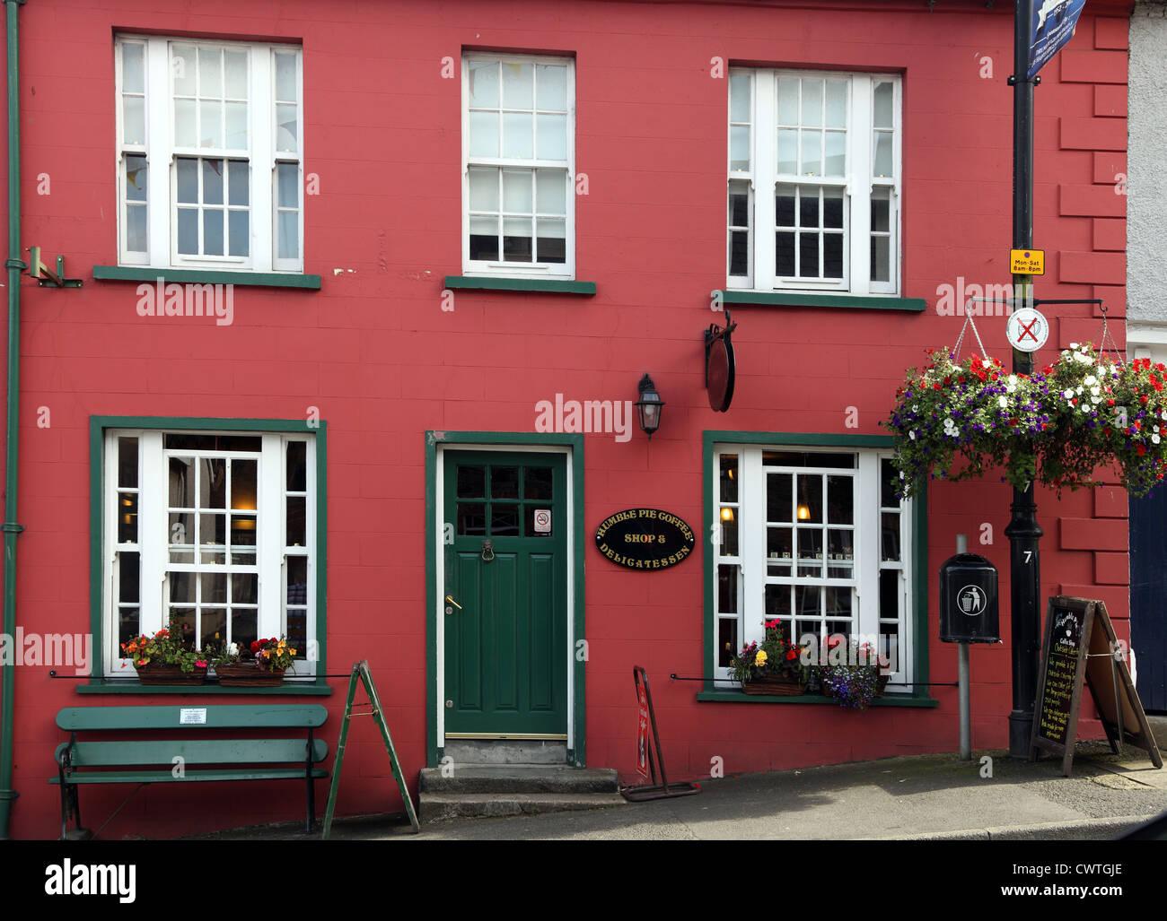 Torta di umile Coffee Shop & Delicatessen, Main St, Hillsborough, Co. Giù, Ulster (Irlanda del Nord Immagini Stock