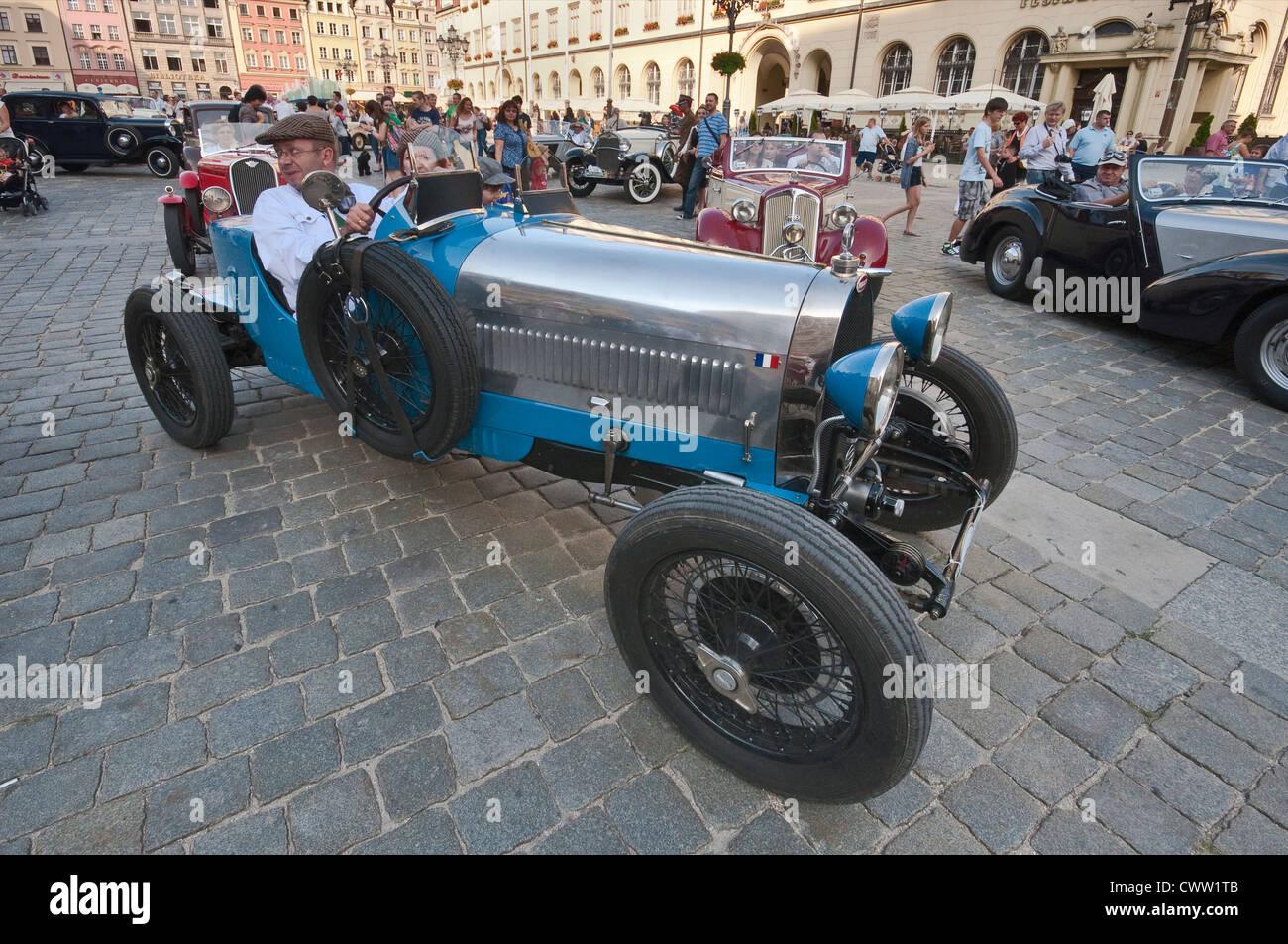 Bugatti Roadster A Motoclassic Car Show Al Rynek Piazza Del - Mercato car show