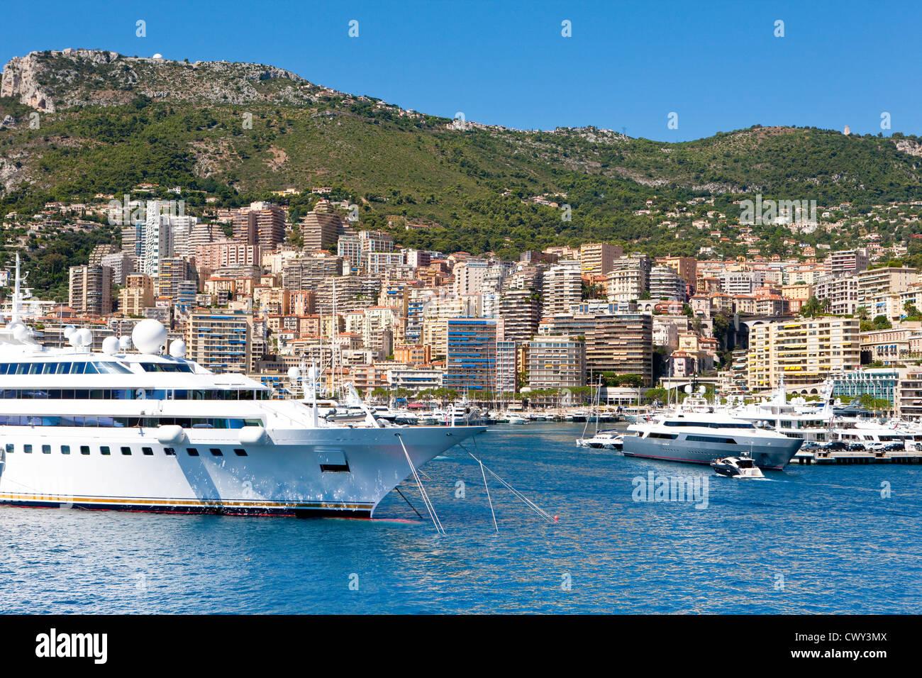 Vista del porto di Ercole, La Condamine, il Principato di Monaco Immagini Stock