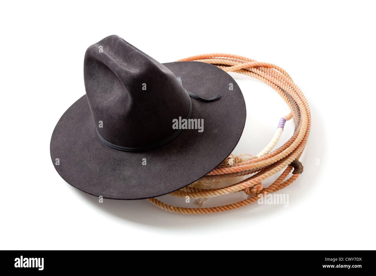 Un lazo o lariat di corde e di un cappello da cowboy su sfondo bianco  Immagini 05c589bd61fd