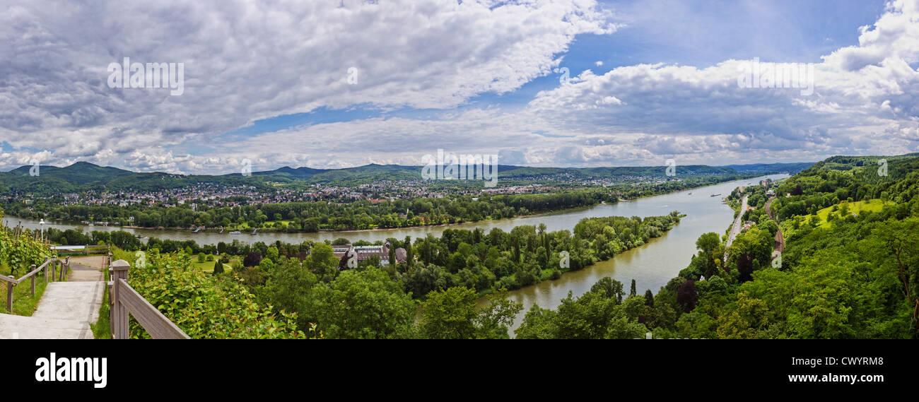 Visualizzare sopra il fiume Reno a Remagen, Germania Foto Stock