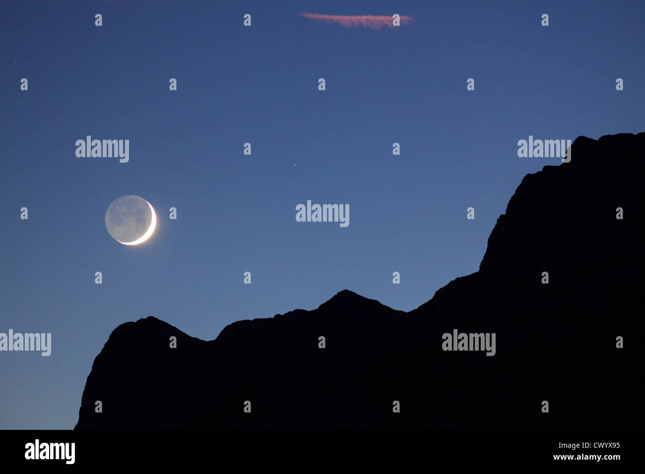 Quarto Di Monte.Primo Quarto Di Luna Sopra Il Monte Untersberg Sulle Alpi