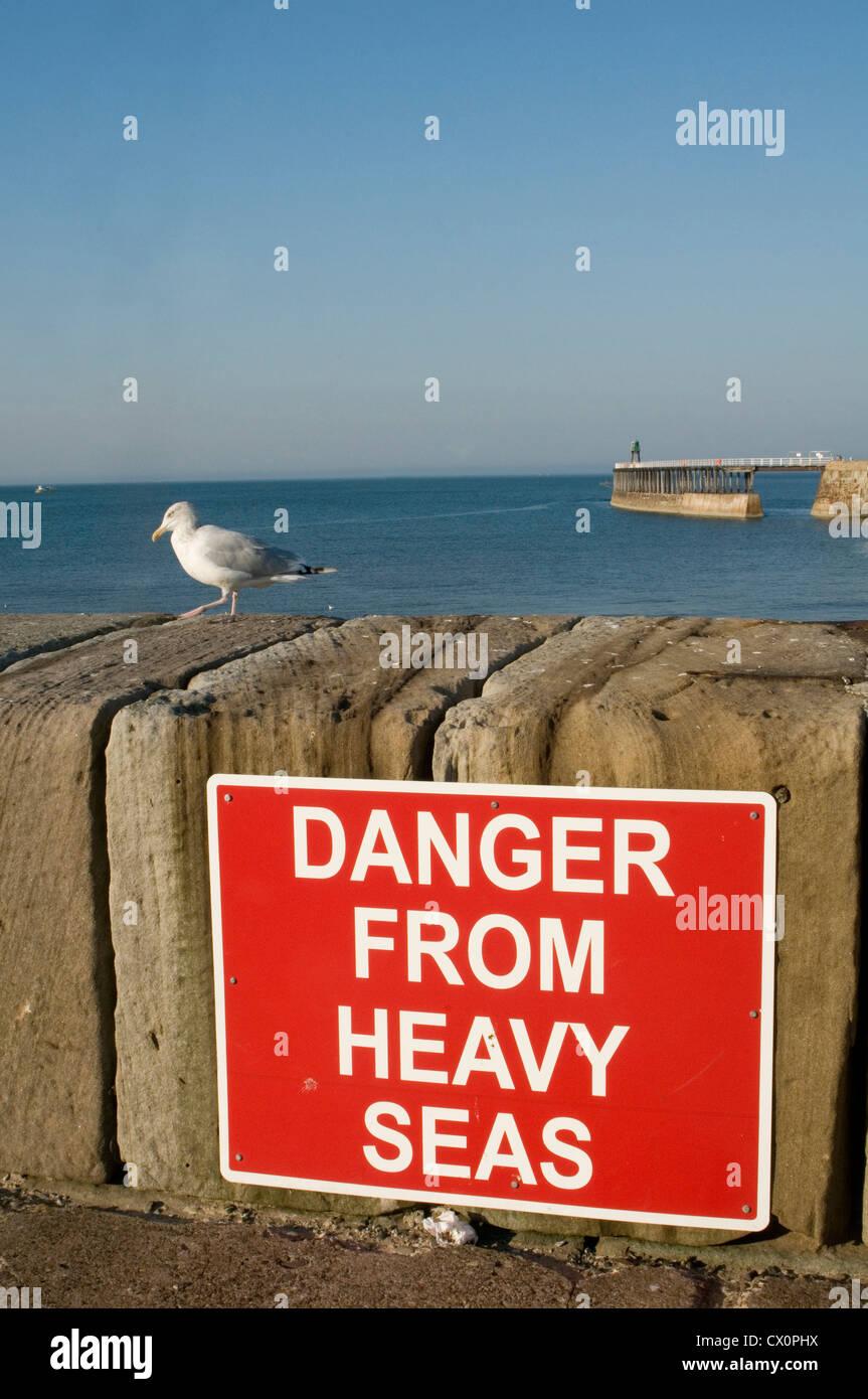 Spedizione previsione meteo Condizioni mari mare calmo pesante la salute e la sicurezza pericolo mare grosso cartello Foto Stock