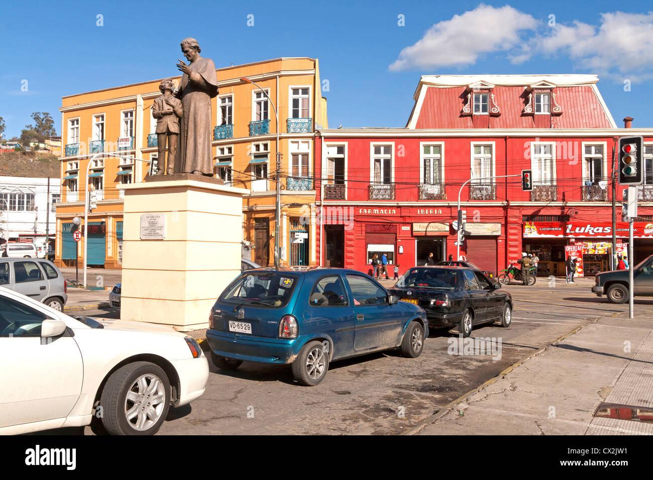 Vista degli edifici colorati, il centro città di Valparaiso, Cile Immagini Stock