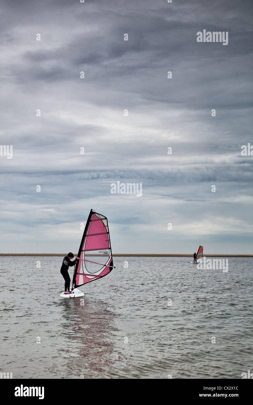 Wind Surf School su uno dei faggi sull'isola Langeoog. Immagini Stock