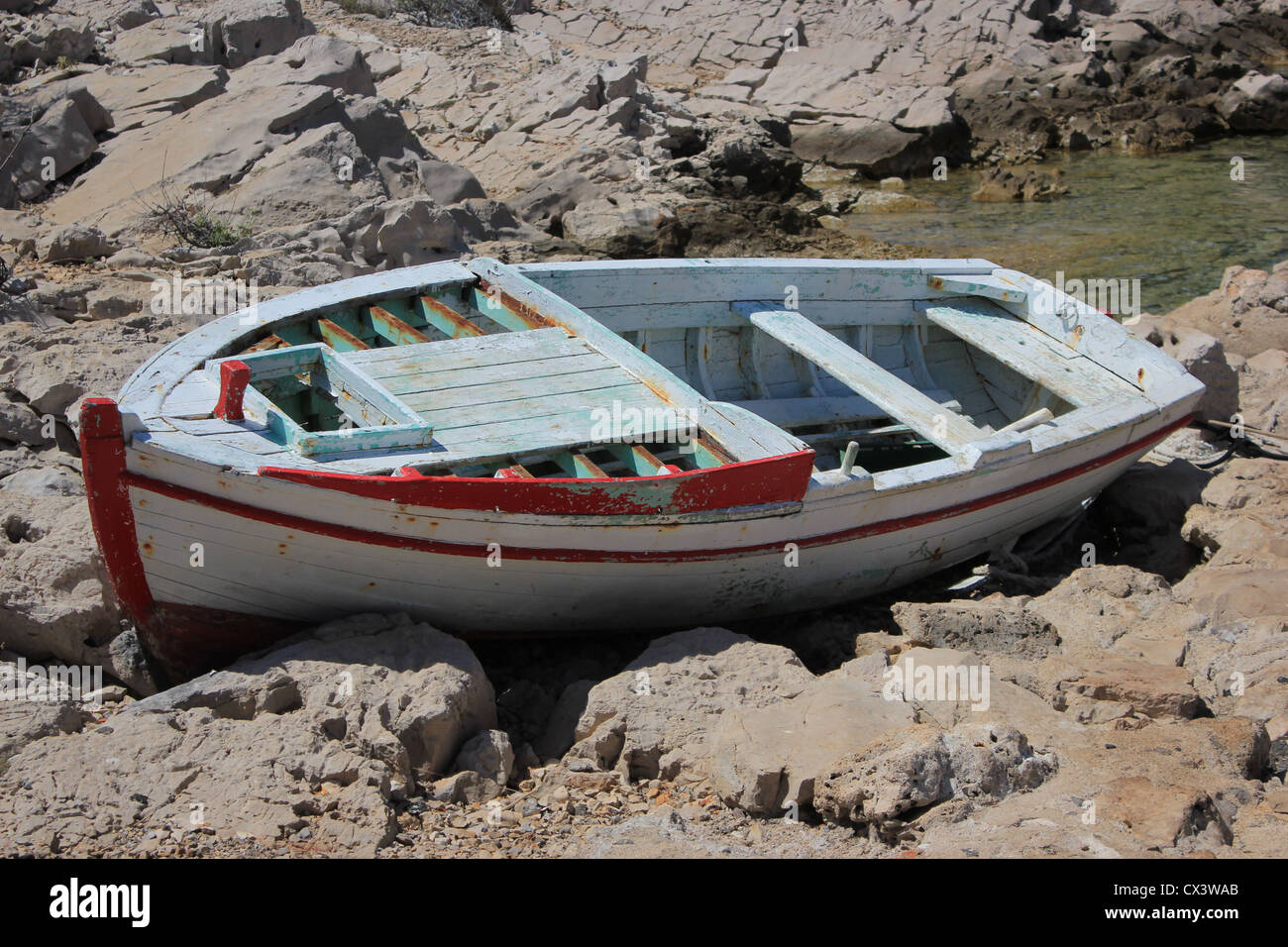 Abandoned Rowboat Immagini Abandoned Rowboat Fotos Stock Alamy