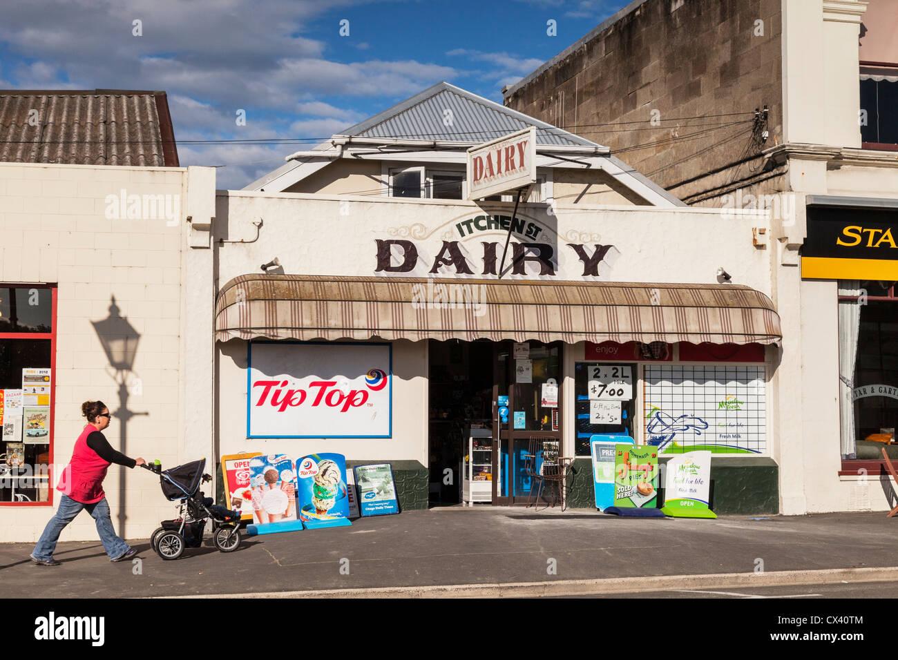 Itchen Street latteria, la Nuova Zelanda corner shop, Oamaru, Otago. Immagini Stock