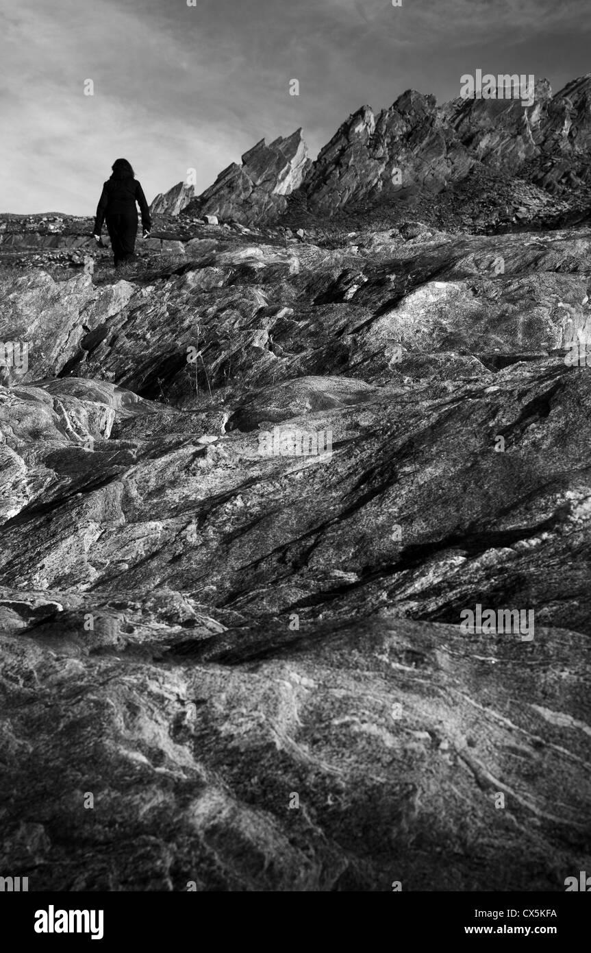 Valle Maggia, Svizzera. Escursionista Immagini Stock